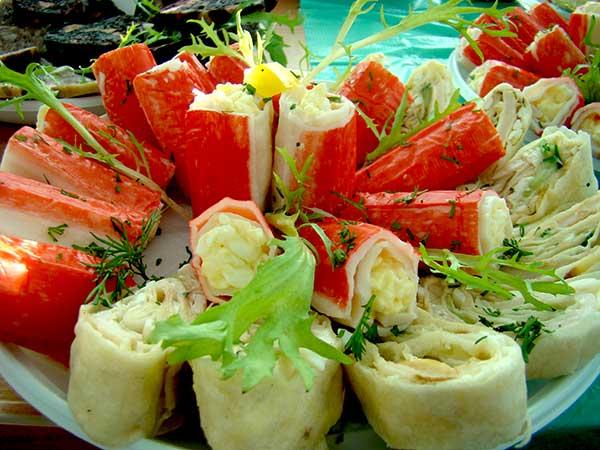 Салат в крабовых палочках