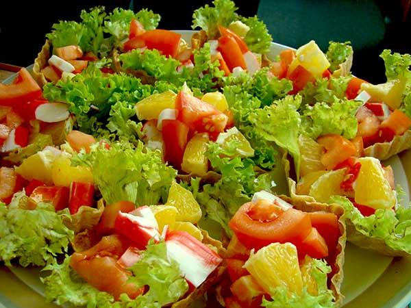 Новогодний салат со свежими овощами